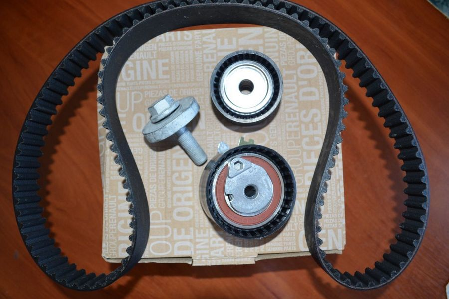 Ремкомплект ГРМ (ремень+2ролика) RENAULT 130C17529R